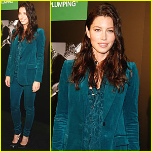 Jessica Biel: Revlon Commercial Launch in Times Square!