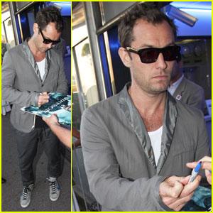 Jude Law: Fan Friendly at Cannes Film Festival!