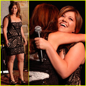 Kelly Clarkson: Country Music Hall of Fame Ceremony!
