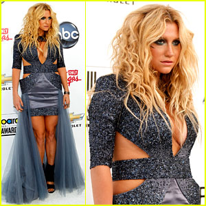 Ke$ha - Billboard Awards 2011