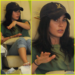 Megan Fox: Manicure Monday!
