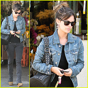 Rachel Bilson: Shopping with Mom!