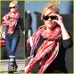 Reese Witherspoon: Art Student!