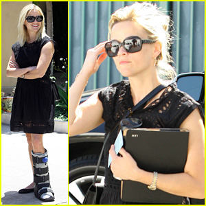 Reese Witherspoon: Spa Day with Medical Cast