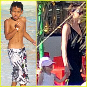 Angelina Jolie & Brad Pitt: Water Park with the Kids!