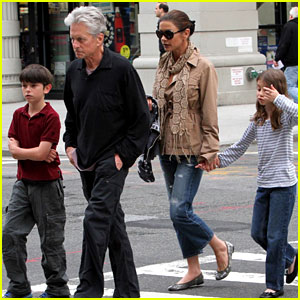 Catherine Zeta-Jones &#038; Michael Douglas: Family Stroll!