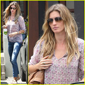 Gisele Bundchen: Chiropractor Appointment