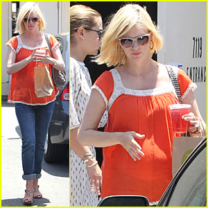 January Jones: Jon Hamm Signs On for 3 More Years of 'Mad Men'