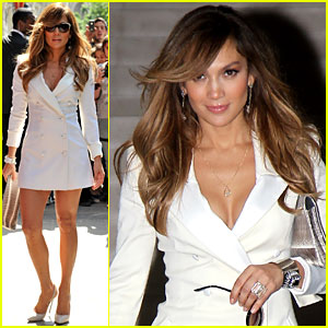 Jennifer Lopez Will Watch 'Hangover II' with Victoria Beckham!