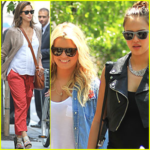 Jessica Alba & Jessica Simpson: Yale Reunion Weekend!