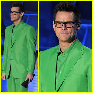 Jim Carrey: Green Suit at the MTV Movie Awards!