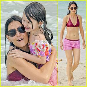 Katie Holmes: Bikini Beach Time with Suri!