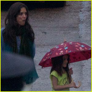 Katie Holmes & Suri Cruise: Rainy Day 'Rock of Ages' Visit!