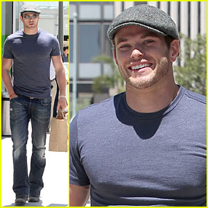 Kellan Lutz: Century City Mall Run!