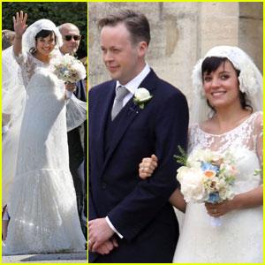 Lily Allen Weds Sam Cooper!