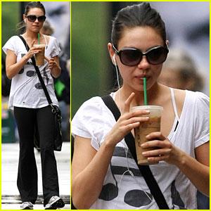 Mila Kunis: Quick Starbucks Stop