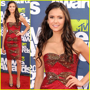 Nina Dobrev - MTV Movie Awards 2011 Red Carpet