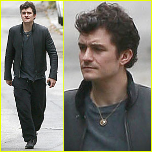 Orlando Bloom: Monday Morning Friend Visit!