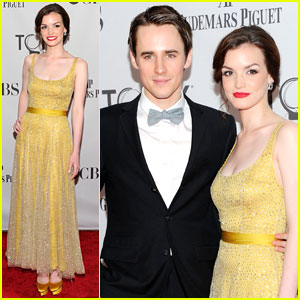Reeve Carney & Jennifer Damiano - Tony Awards 2011