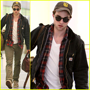 Robert Pattinson: Kristen Looked 'Amazing' in Wedding Dress