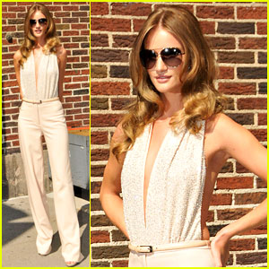 Rosie Huntington-Whiteley: Letterman Lady!