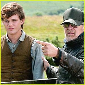 Steven Spielberg: 'War Horse' Trailer!