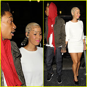 Wiz Khalifa &#038; Amber Rose: Holding Hands!