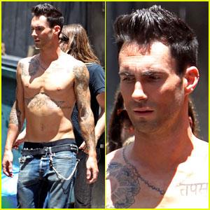 Adam Levine: Shirtless on 'Moves Like Jagger' Video Set!