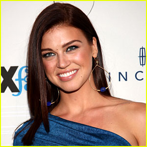 adrianne palicki gi joe shorts images galleries with a bite. Black Bedroom Furniture Sets. Home Design Ideas