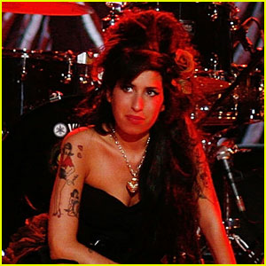 Amy Winehouse's Last Time On Stage - Video