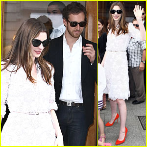 Anne Hathaway & Adam Shulman Shop at Chopard
