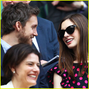 Anne Hathaway: Wimbledon with Adam Shulman!