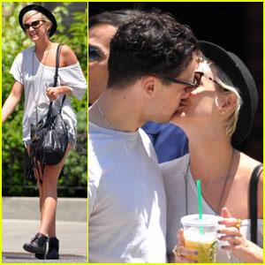 Ashlee Simpson & Vincent Piazza: Kiss Kiss!
