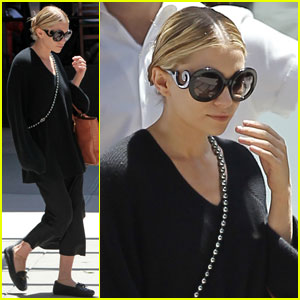 Ashley Olsen: Black in the Big Apple