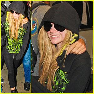 Avril Lavigne: Brazil Airport Arrival