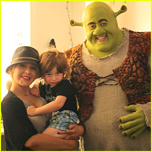 Christina Aguilera & Max Meet Shrek