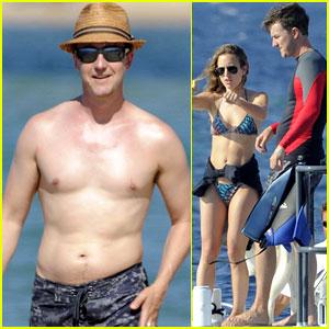Edward Norton: Shirtless Beach Bod with Shauna Robertson!