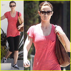 Emily Blunt: Wedding Anniversary Coming Up!