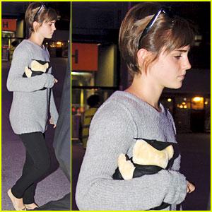 Emma Watson: Teddy Bear at Heathrow!