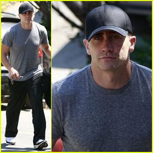 Jake Gyllenhaal Works It Out in Los Feliz