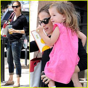 Jennifer Garner: Swim Class with Violet & Seraphina