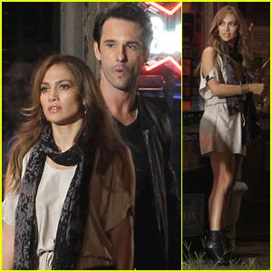 Jennifer Lopez: 'What to Expect' with Rodrigo Santoro!