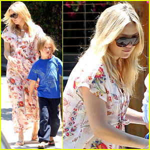 Kate Hudson & Family Eat Lunch Without Bingham