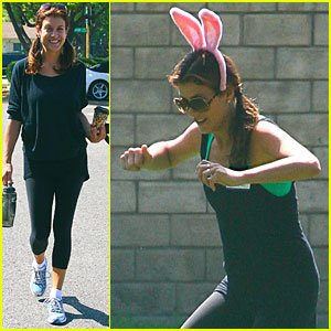 Kate Walsh: Squirt Gun Fight with Friends!