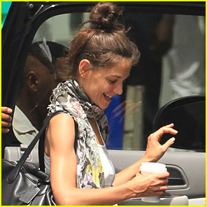 Katie Holmes: Cup of Coffee in Miami!