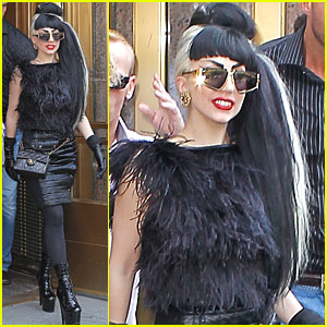 Lady Gaga: 'Edge of Glory' on Howard Stern Show!