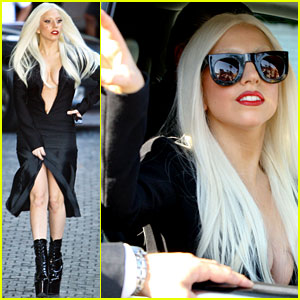 Lady Gaga: Pre Performance Plunging Neckline!