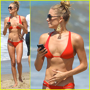 LeAnn Rimes: Teeny Red Bikini!