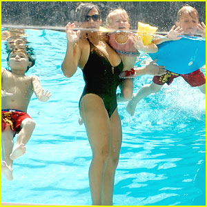 Britney Spears' Boys Play at the Pool with Grandma