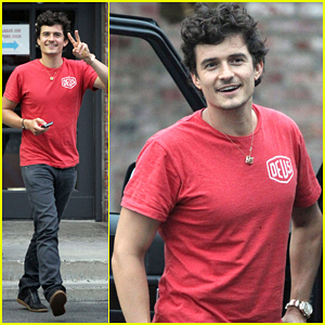Orlando Bloom: Joyful Dinner in Brentwood!